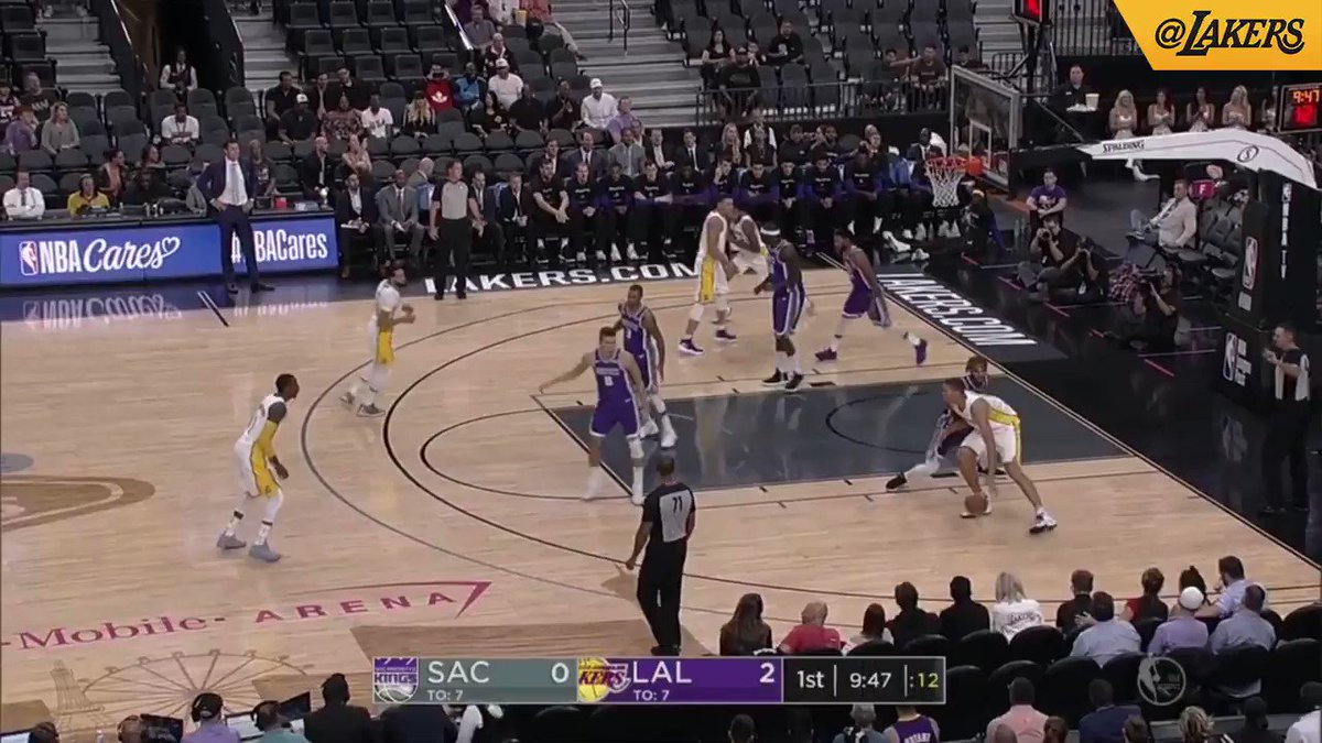 Highlights: The Lakers defeat the Sacramento Kings 75-69 in Las Vegas https://t.co/08pOC713QS