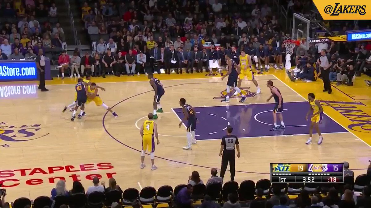 Great save by Ingram leads to Caruso's lob to Larry Nance Jr. (��: @SpectrumSN, @spectdeportes, & ESPN) https://t.co/G2WydtQ1i6