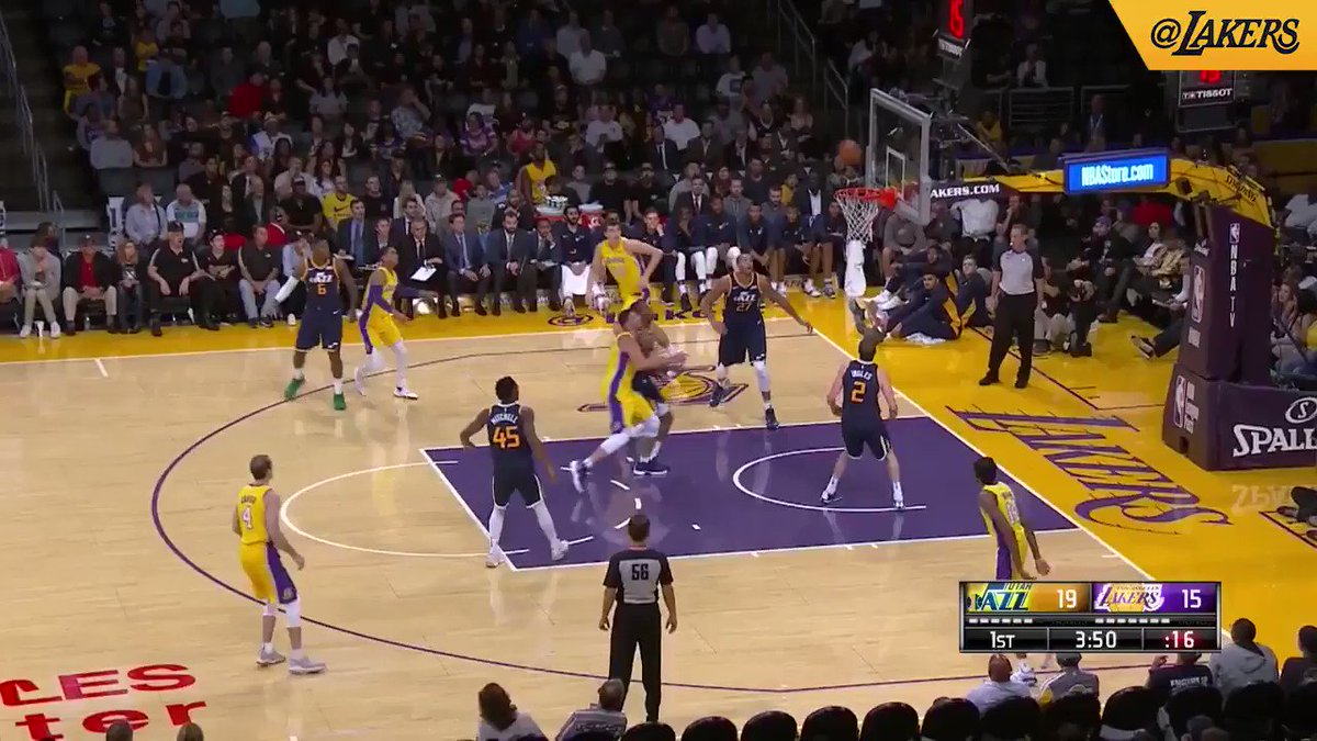 HIGHLIGHTS: Alex Caruso had a great night facilitating the offense with 10 dimes and a pair of buckets. https://t.co/YbOQdTIYyb