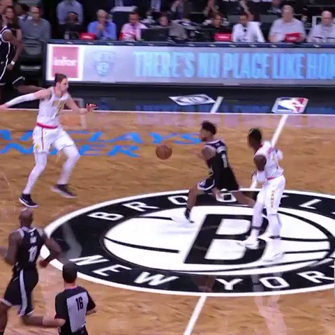 D'Angelo no look. #WeGoHard https://t.co/HGnFOpgnVg
