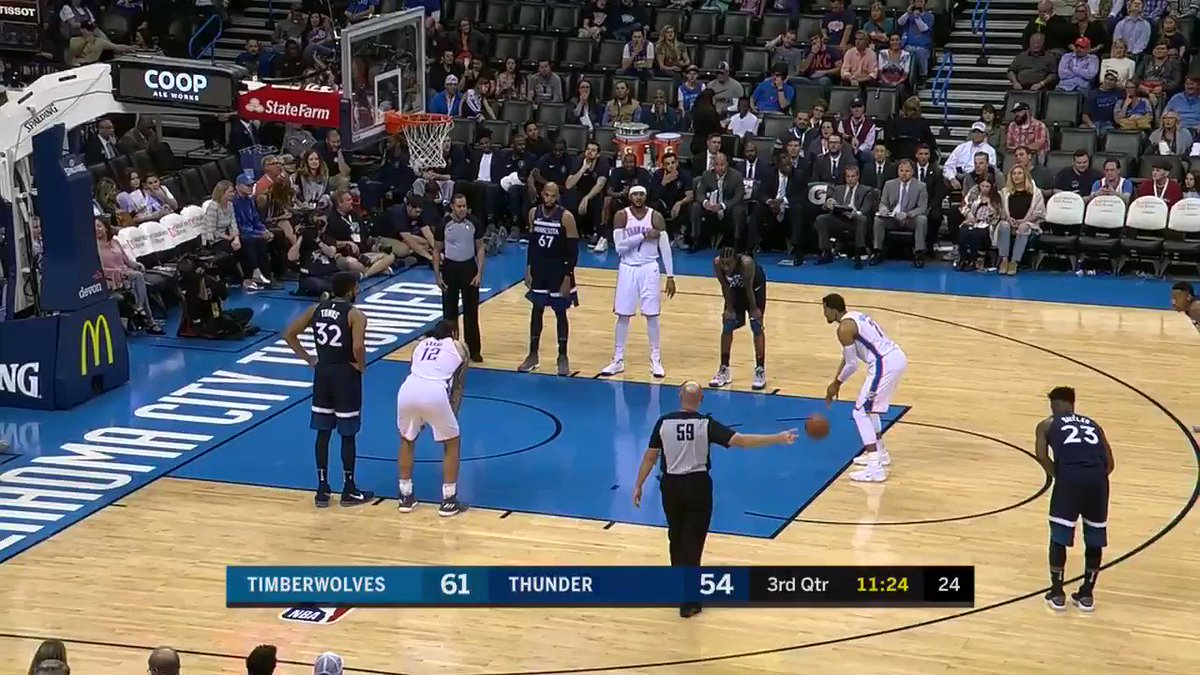 Back-to-back airballs...�� https://t.co/R98kFCx7gW