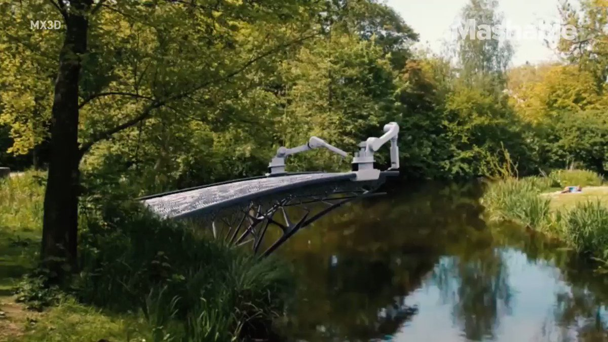 The bridge is being printed in mid-air https://t.co/hSbp566fks
