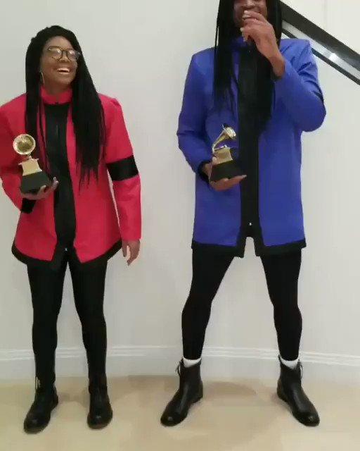 RT @BleacherReport: Couple costume idea: Milli Vanilli  Featuring @itsgabrielleu & @DwyaneWade https://t.co/0Rlv7LVkzl