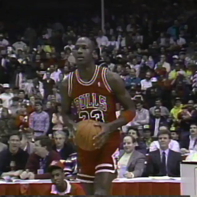 1988 #NBAAllStar Chicago Friday Flashback...   'They gave Jordan a 50!' https://t.co/26m2SLzccW