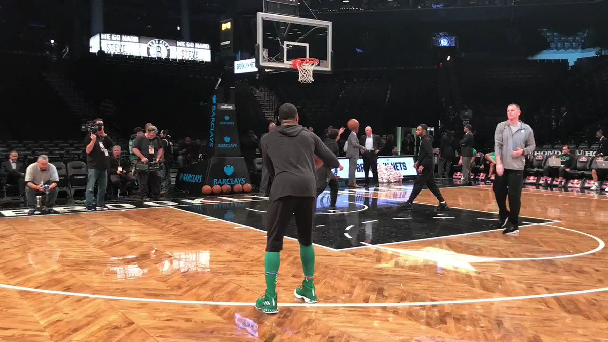 Marcus Smart works on his jumper ahead of tonight's #Celtics action in Brooklyn! https://t.co/UkFqHGjDrj
