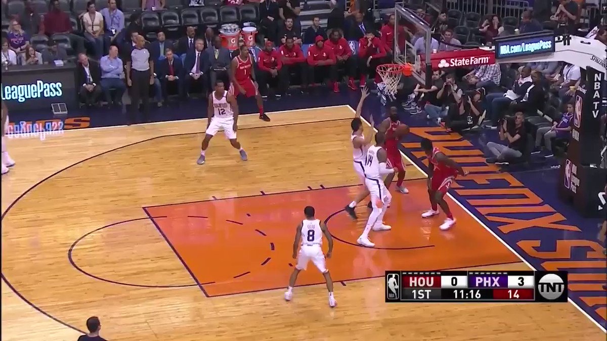 The Bearded One found his zone and dropped 33 PTS... in the 1st half! �� https://t.co/vwE2IQXmRN