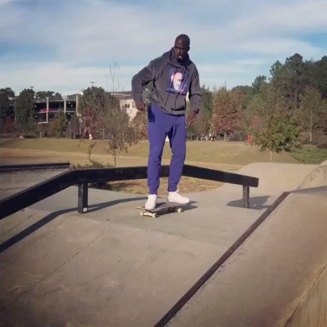 When @ochocinco tries to skateboard �� https://t.co/0VbpGVxJlH