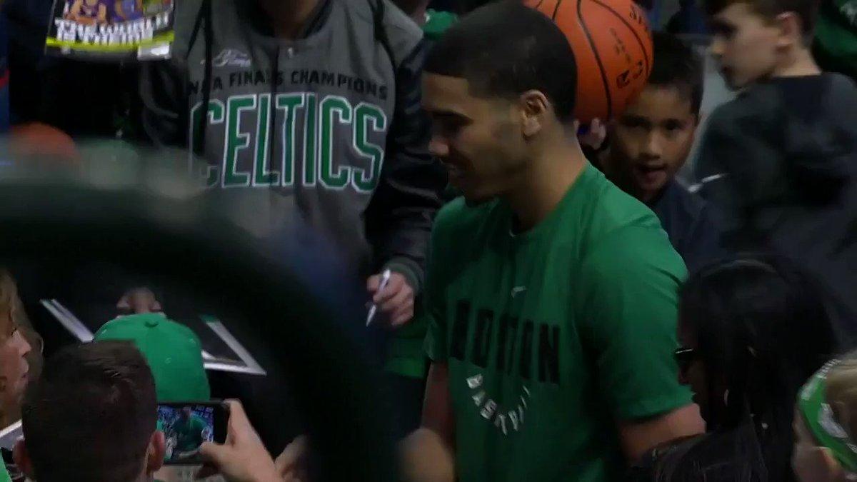 Jayson Tatum signs autographs ahead of League Pass action for the streaking @celtics! https://t.co/1GJ2DJkA7V