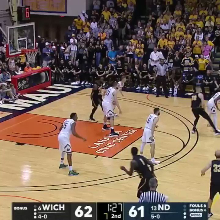 It's a one-possession game for the Maui Jim Maui Invitational.   Don't miss the end on ESPN2 and the ESPN App. https://t.co/lpOH9tmkBR