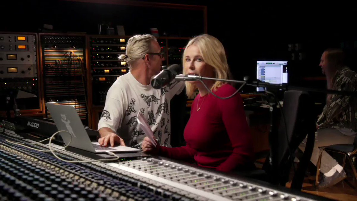 Always down to work with an up-and-coming artist @chelseahandler @netflix https://t.co/kB911mNusC