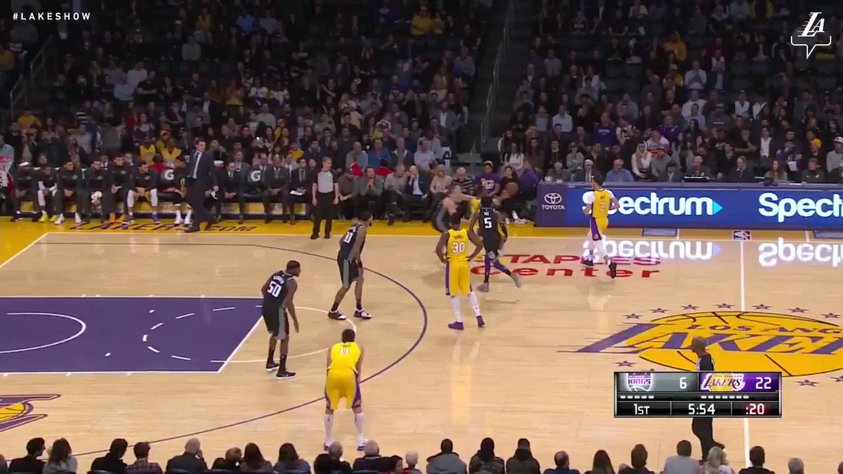 �� Julius finished with 22 points and Lonzo added 11 assists as the Lakers defeat the Kings, 99-86. #LakersWin https://t.co/kFeiKdffeu
