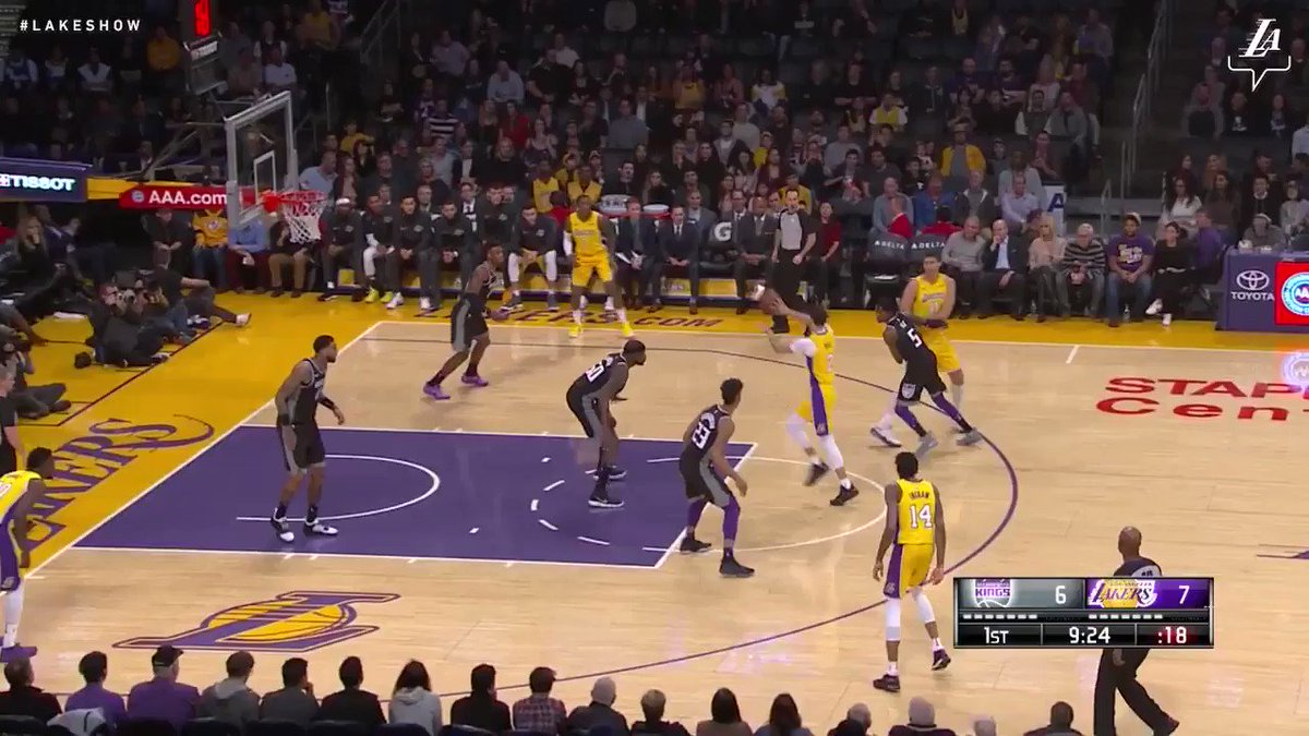 �� Julius Randle led the Lakers to victory tonight with 22 points and 14 rebounds #NBAVote https://t.co/C5JwBi4soy