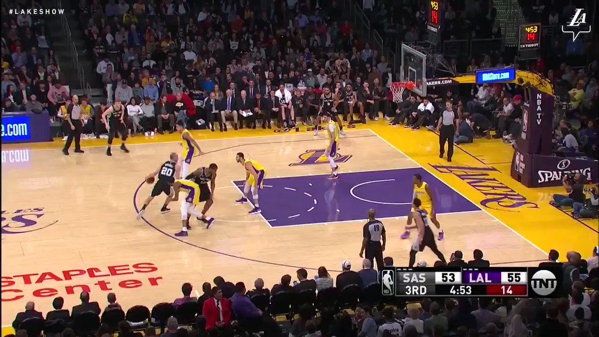 Steal and slam by KCP! #LakeShow (��: TNT) https://t.co/3IKSpeWkGK