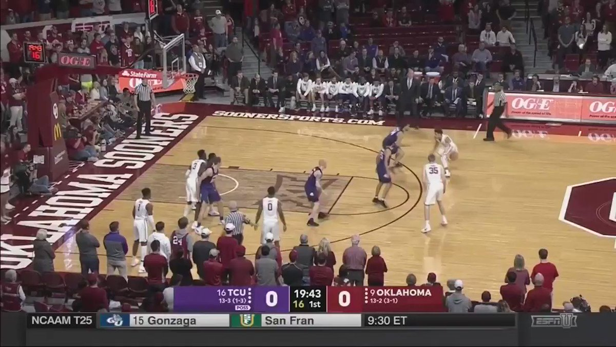 Trae Young was dripping sauce ��  43 points (10 threes) 11 rebounds 7 assists https://t.co/dE6UoM32MR