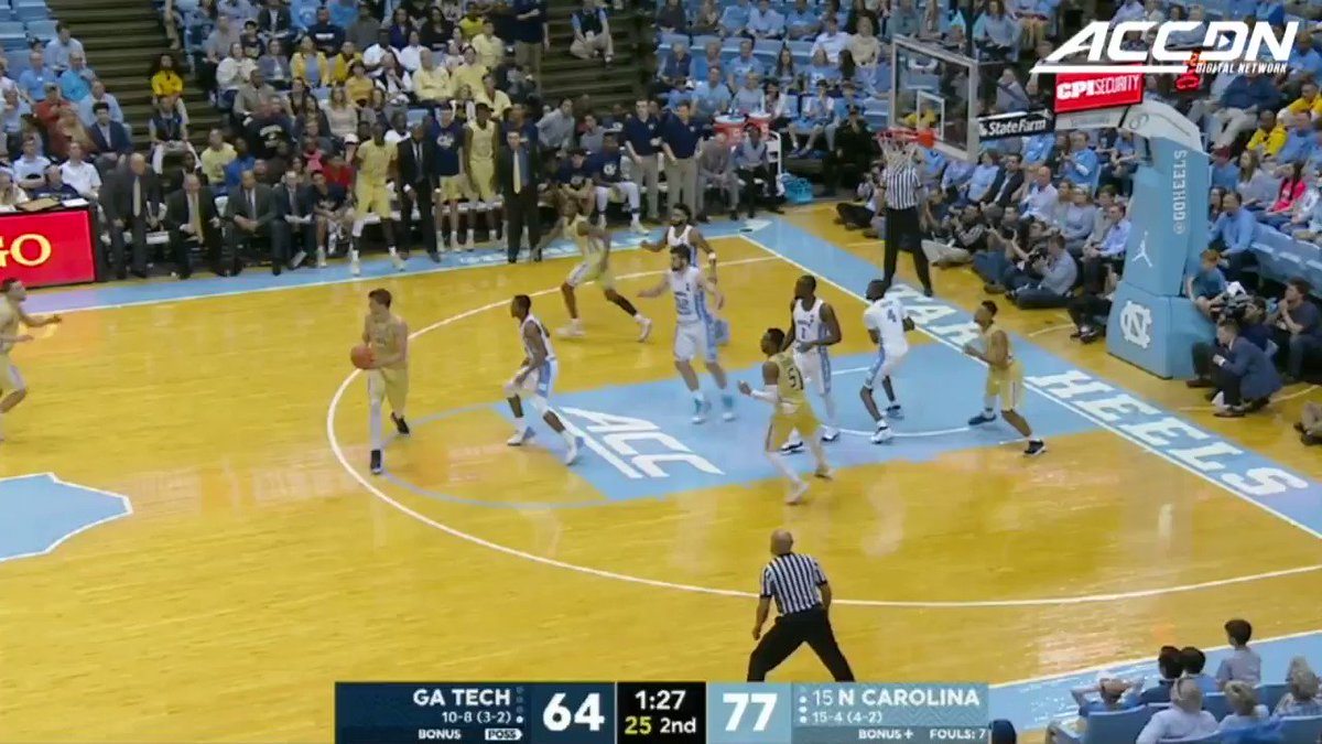 Who said refs can't jump? #MustSeeACC https://t.co/Fh9aEcQjwD