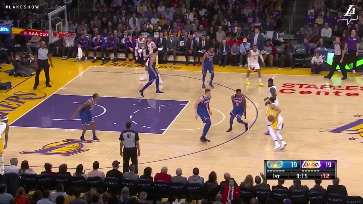�� Jordan Clarkson had another strong game, tallying 29 points and 10 assists against New York. #LakersWin https://t.co/kjgYkxxi0V