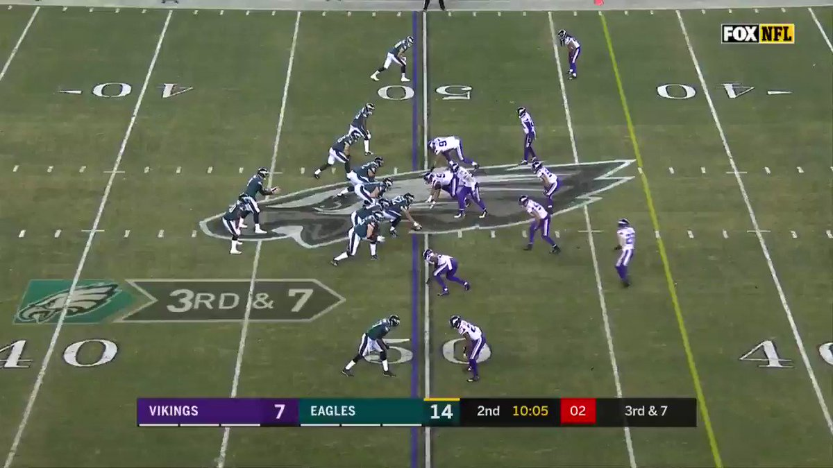 Big stop on third down as @DHunt94_TX gets the sack.  #BringItHome https://t.co/ns3eoXGh6p