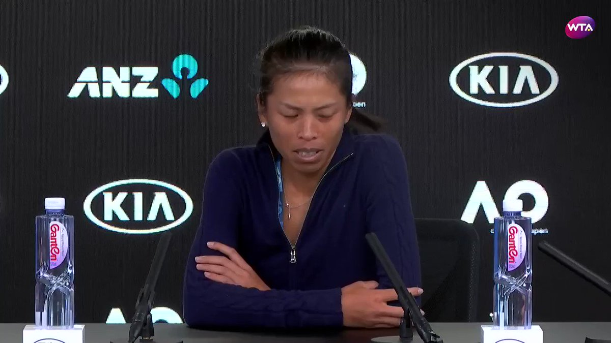 'I like to play freely. When the ball comes, I decide at the last moment where to hit' - Hsieh Su-wei #AusOpen https://t.co/Zj4ZodDKpR