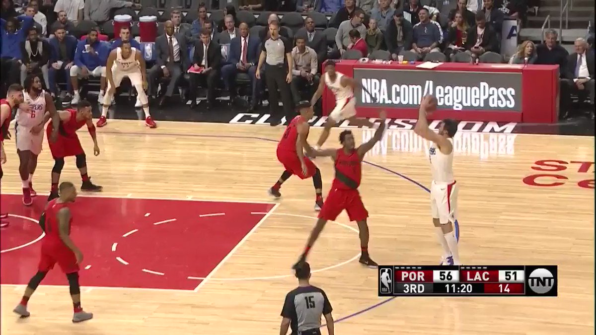 Danilo gets the circus finish to drop on @NBAonTNT! #PlayersOnly https://t.co/IcalugdQwX