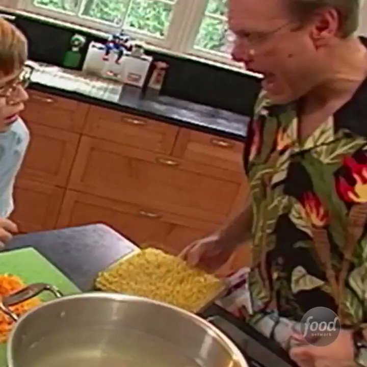 Recipe of the Day: @altonbrown's Baked Macaroni and Cheese https://t.co/llnK8wagHU. https://t.co/rM8NbiTyUo