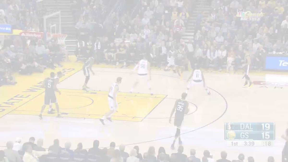#SPLASH �� (x2) for @StephenCurry30! https://t.co/1TPZMNpCgB