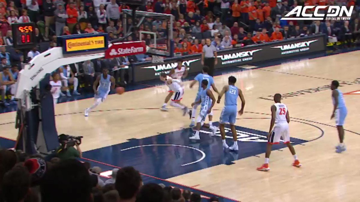 There's not much that @UVAMensHoops guard Devon Hall can't do on the hardwood. https://t.co/AuQP9p9zd3