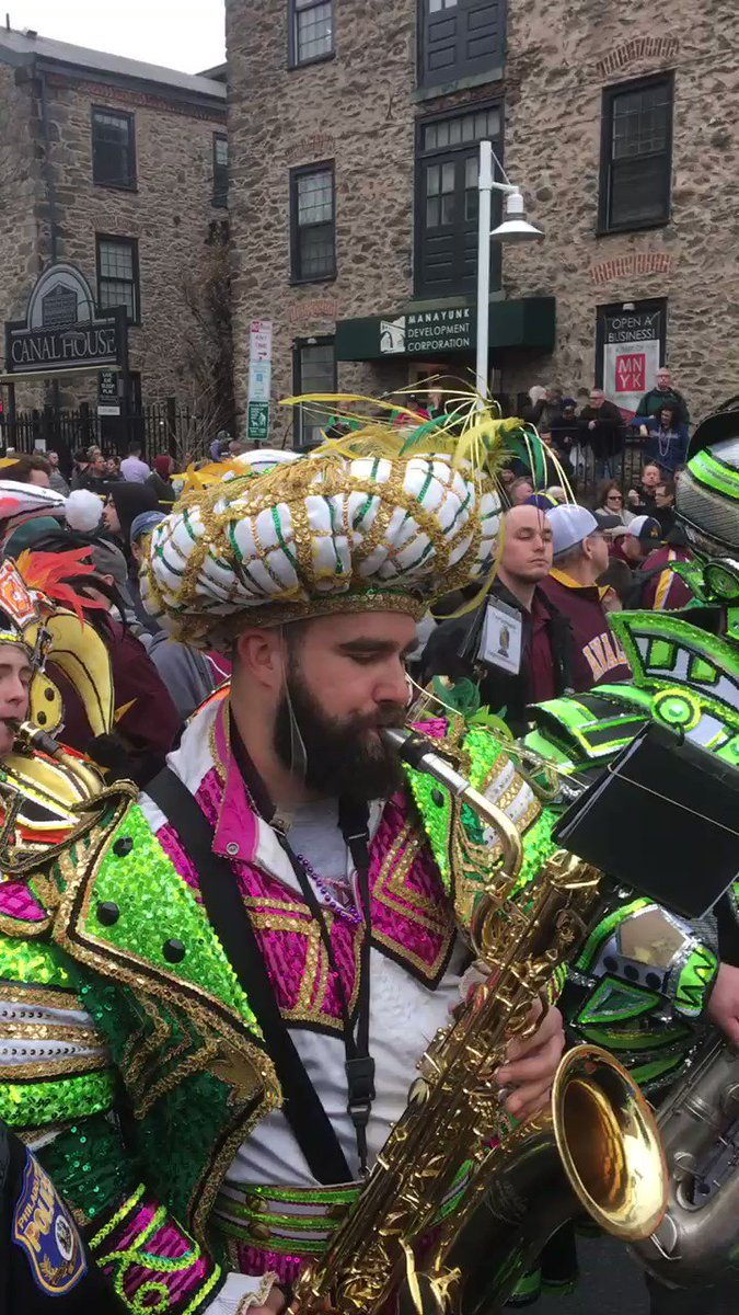 Jason Kelce: Protector of Quarterbacks and Player of Saxophones  #FlyEaglesFly https://t.co/Sy7avPwoVI