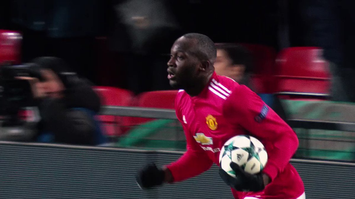 Countdown to kick-off! ��⚽️  Man. United or Sevilla? �� Roma or Shakhtar? ��  �� https://t.co/QP6T0y25KL  #UCL https://t.co/UeIknC1OGh