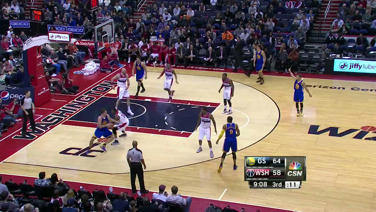 We celebrate @StephenCurry30's 30th BIRTHDAY... with his TOP 30 PLAYS!   #NBABDAY #DubNation https://t.co/gPmab4r3nB