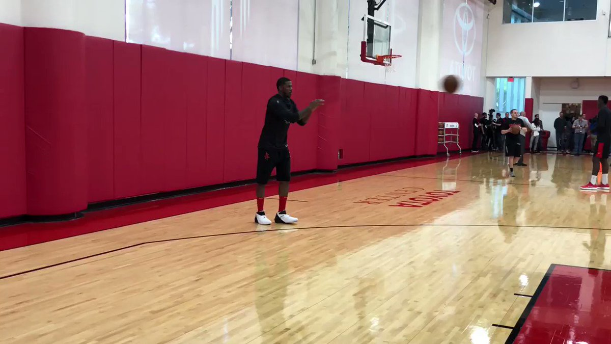 Seven-time All-Star Joe Johnson… entered the season averaging 16.4 ppg, 4rpg and 4apg!   �� #RocketsAllAccess https://t.co/32Yg1yV4Jy