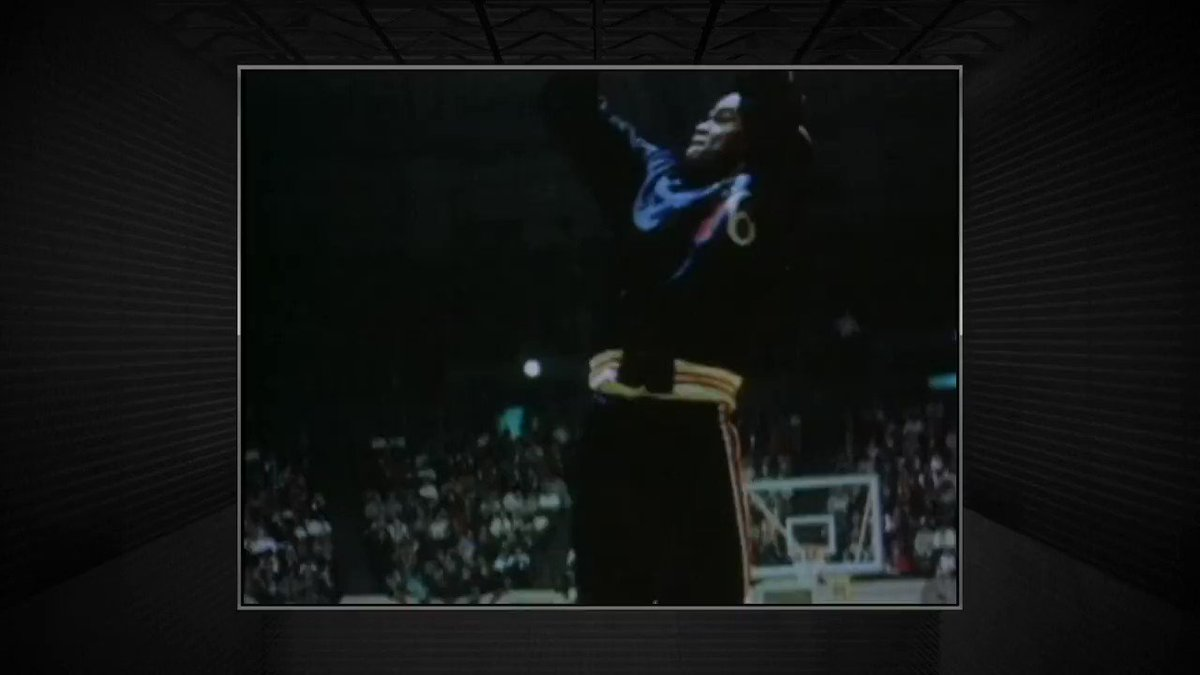 The @NBAonTNT broadcast pays tribute to the @Sixers all-time leading scorer, Hal Greer. https://t.co/eRsZMikK4v