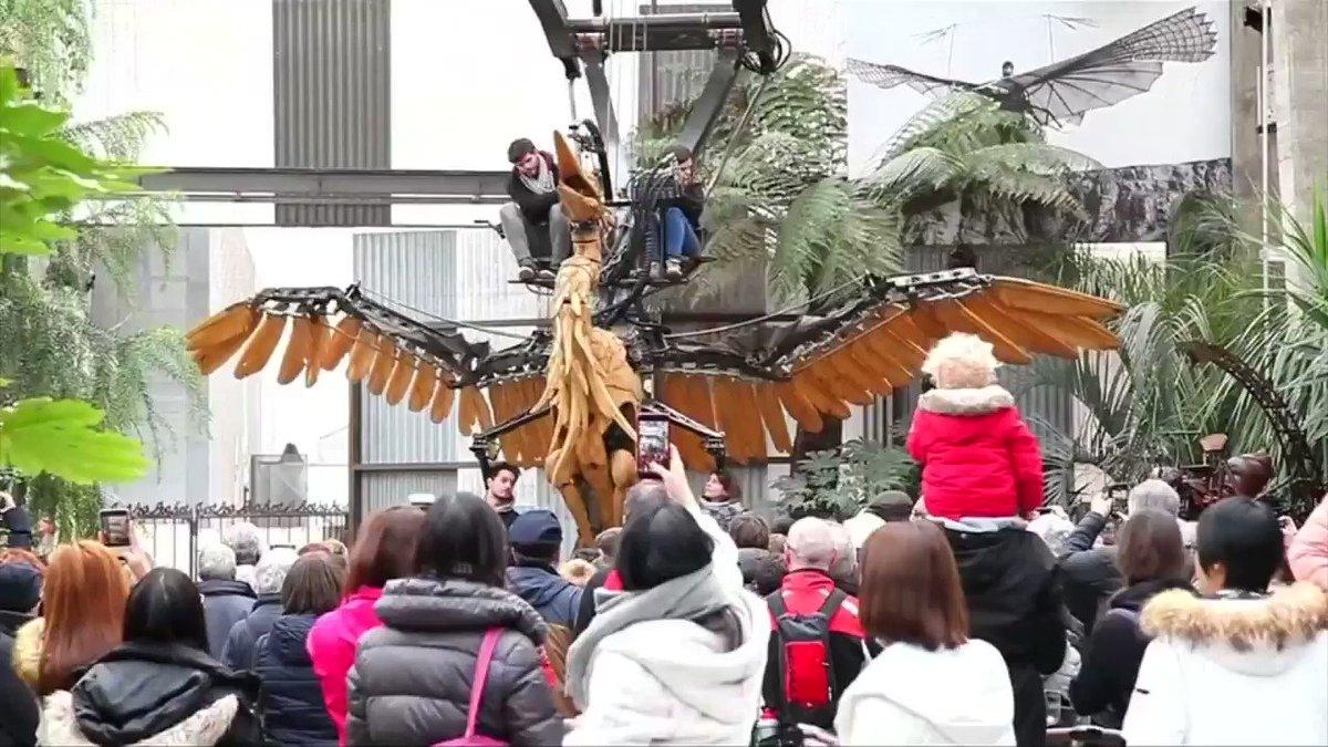 Giant metal creatures roam urban jungle https://t.co/f4qjaTWTFQ