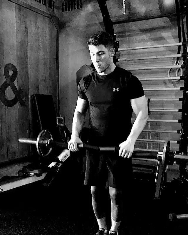 It's go time. #fitness https://t.co/XK5GUR4Ux8