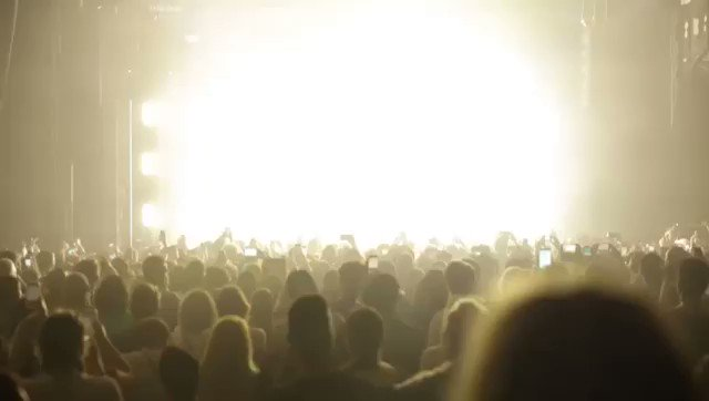 Paris last night ????❤️Check out my Girls Tour UK diaries up now! On YouTube! https://t.co/T7vOJbyzbS ????@iamkajji https://t.co/wuJA7JQKRW