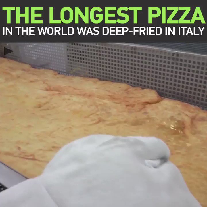 Mamma Mia! World's LONGEST deep-fried PIZZA has been made… can you guess where? https://t.co/neZeup4N3y