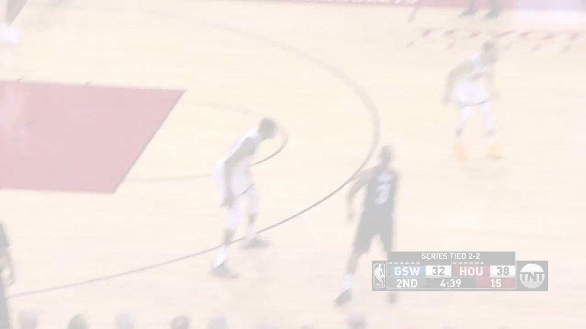 The Beard with the cross & finish! ��  @HoustonRockets lead 45-37 on @NBAonTNT   #Rockets https://t.co/TmzSGslXB5