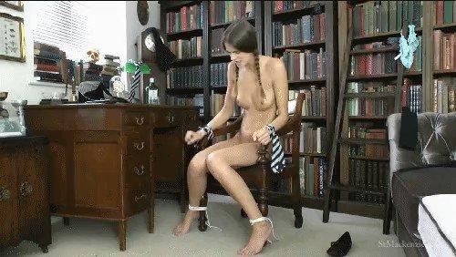 #collegeuniform #bondage #escapingfetish #escaping #escapefetish #Naked KAdiWi5V9D