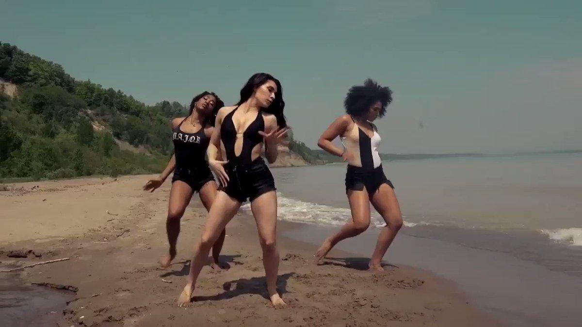 .@MDCDanceToronto dance to #MOVETOMIAMI! https://t.co/gPN0RfREWo https://t.co/wQzWlWVJJn