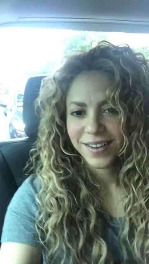 De camino al venue en Paris! / On my way to the venue in Paris! Shak #ShakiraParis https://t.co/18Xedfbfk1