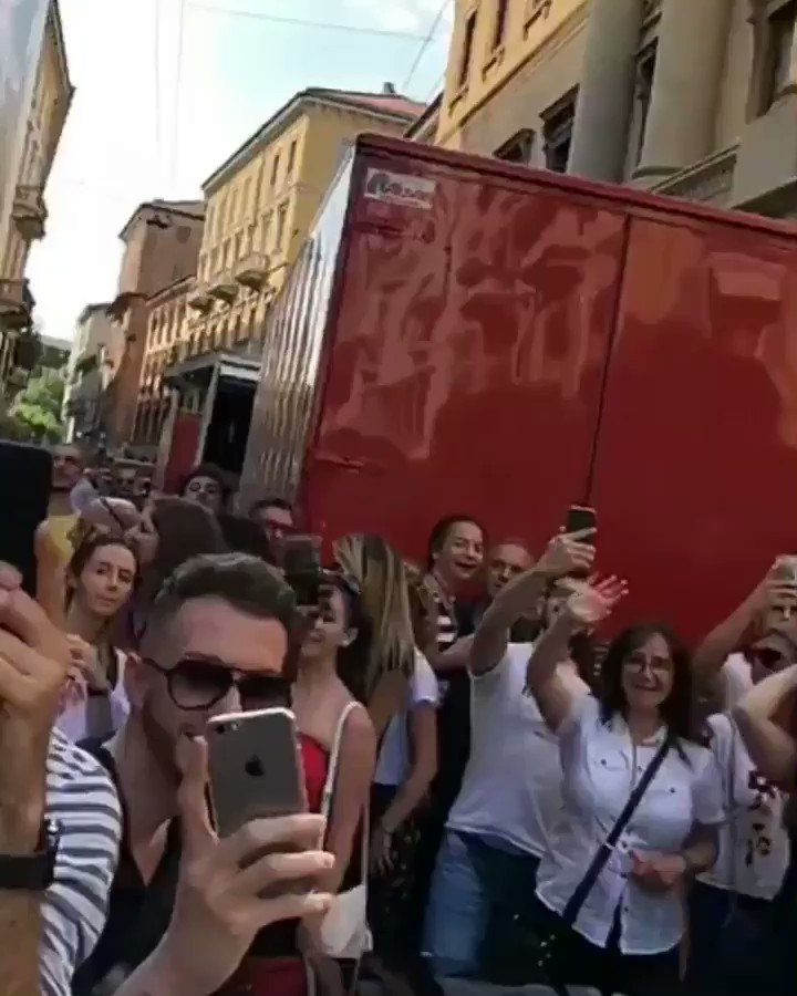 Love you #Milan ❤️ https://t.co/1KvnH9xIOe