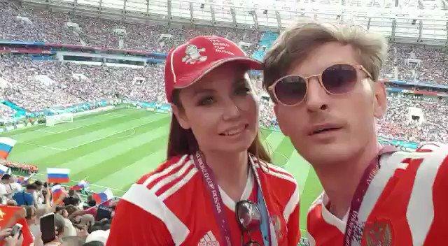Россия, вперёд ???????? Любим, надеемся, верим!  #worldcup2018 #fifaworldcup2018 https://t.co/DVosyc42yC