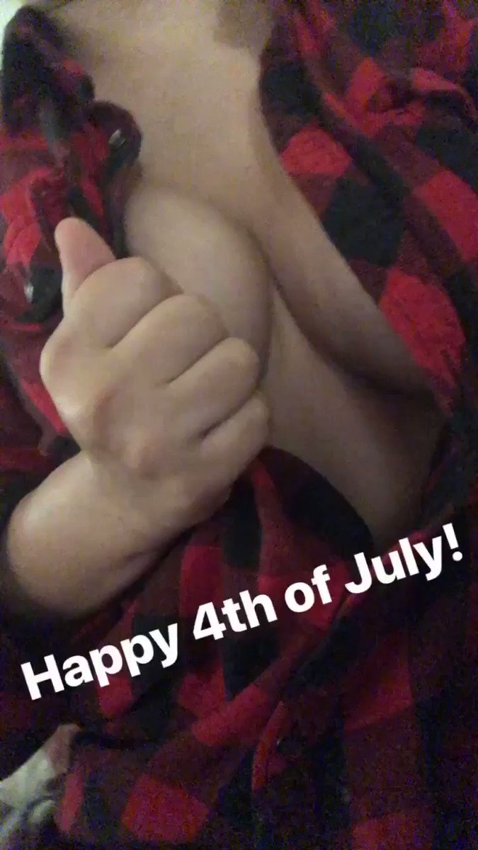 Here's some Fourth of July cleavage. 😘 le0Axolivq