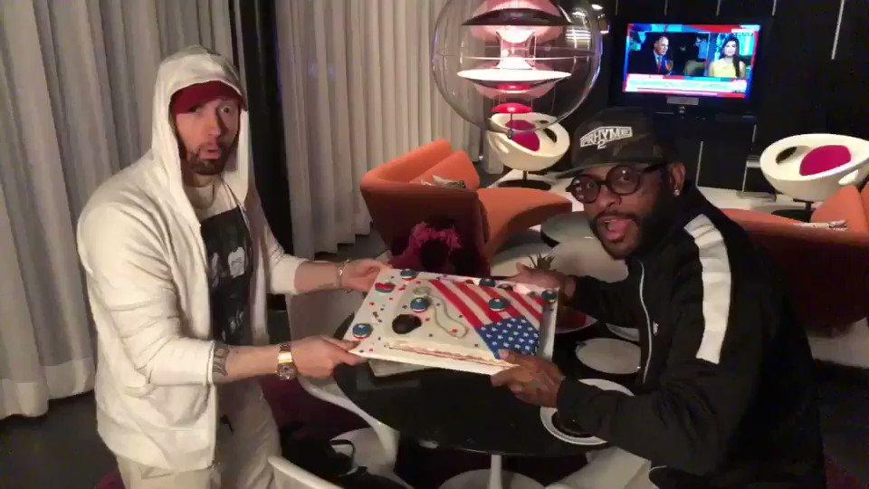 Happy birthday to my great friend and ok rapper @Royceda59! https://t.co/zrPZwoYidf