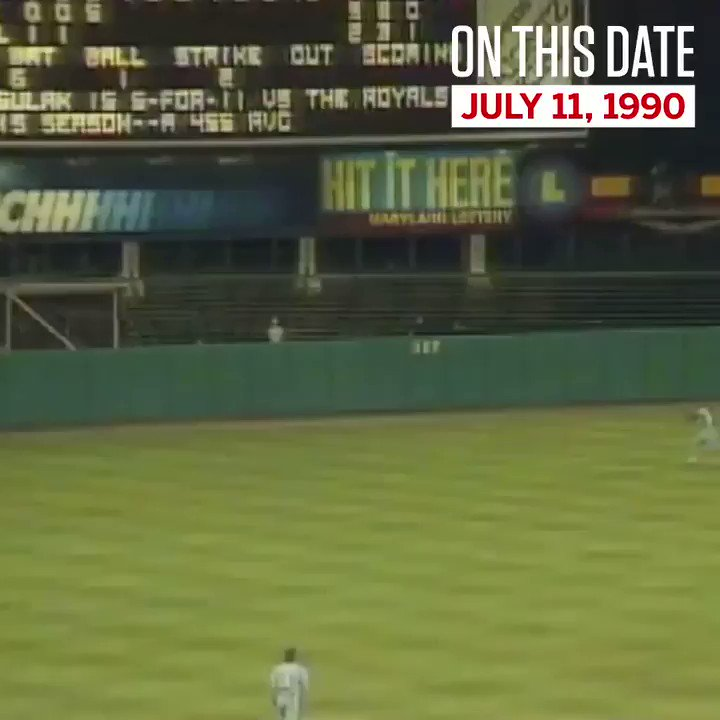 On This Date: 28 years ago, Bo Jackson defied gravity. https://t.co/yTIX28vO2A