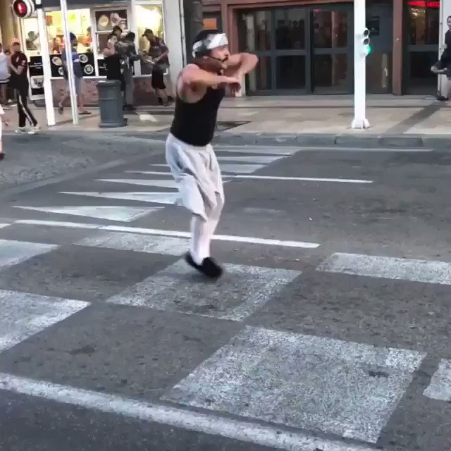 Cholo Fit Creeper celebrates F france's world cup