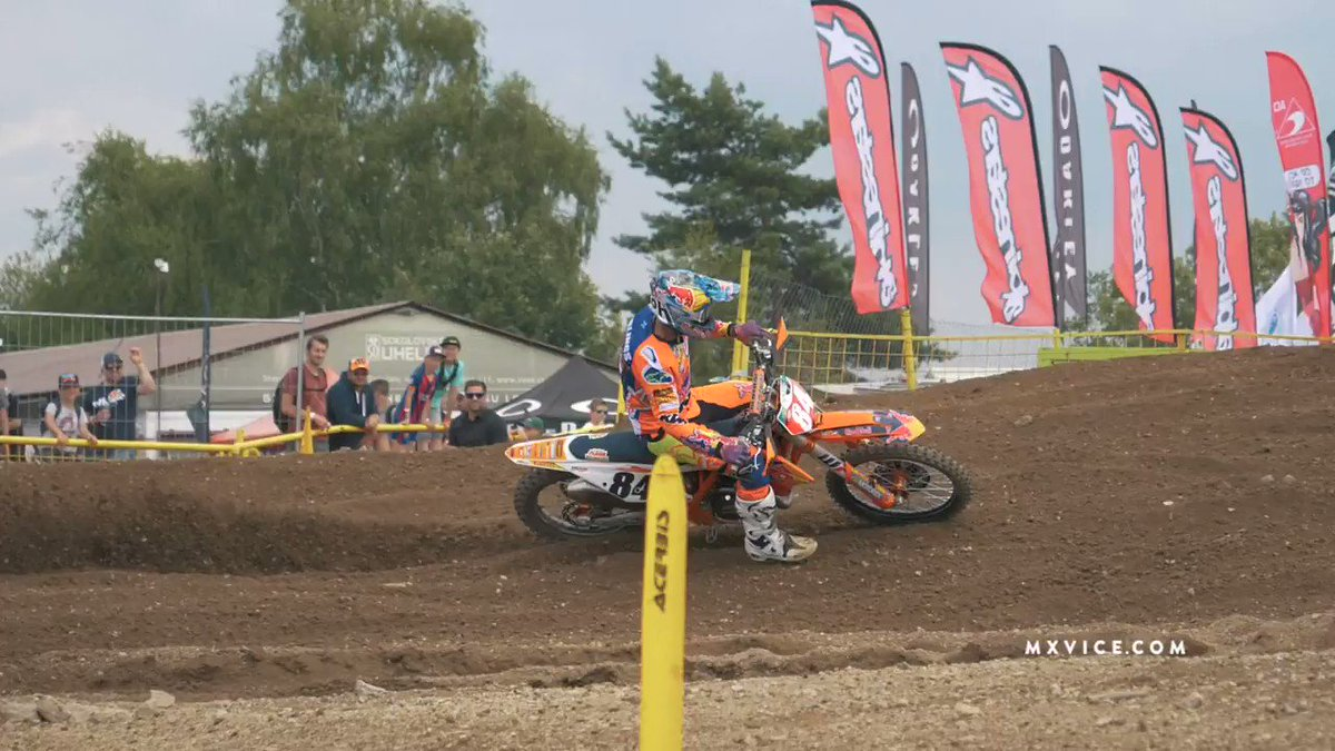RT @motocrossvice: It's lines like this that make Jeffrey Herlings great. Mind-blowing stuff. https://t.co/b9fSQRvoO2