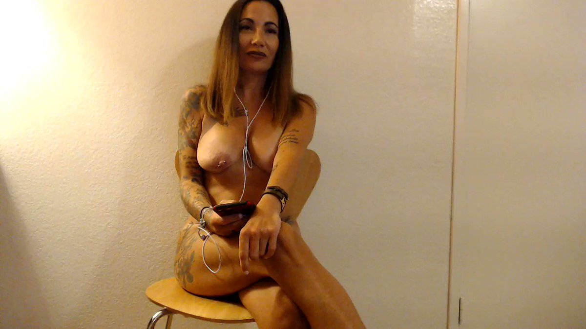 Naked Lady Sings For TheWaringWomen   #NSFW +18 PornMusicVideo