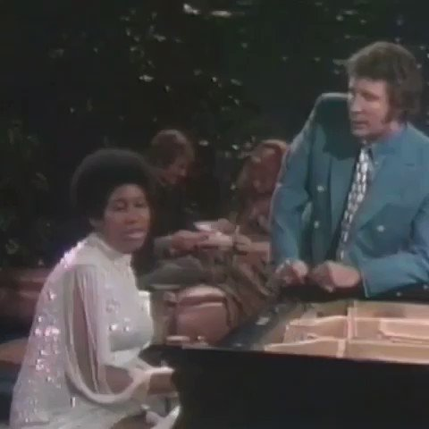 RT @RealSirTomJones: Aretha, you lifted our hearts with your incomparable gifts, RIP, your party will never be over. https://t.co/Zi2xTAVyBw