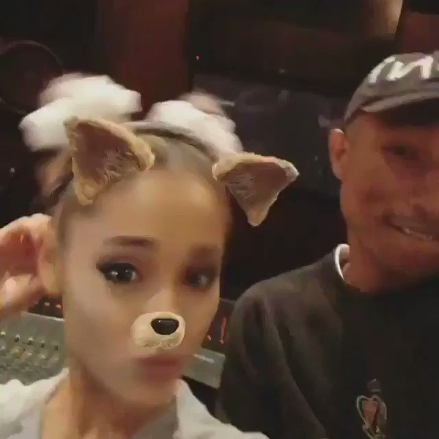 SWEETENER ????????????????♡????????????☁️???? https://t.co/rouIpaZpi2