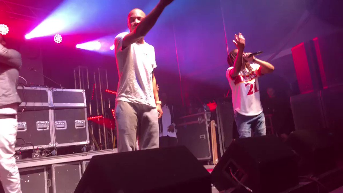RT @MojoInTheMorn: When @LilJon jumps on stage with @Tip to perform 'Stand Up' ???????? #PartyInThePark @1045SNX https://t.co/ly37jGT0OL